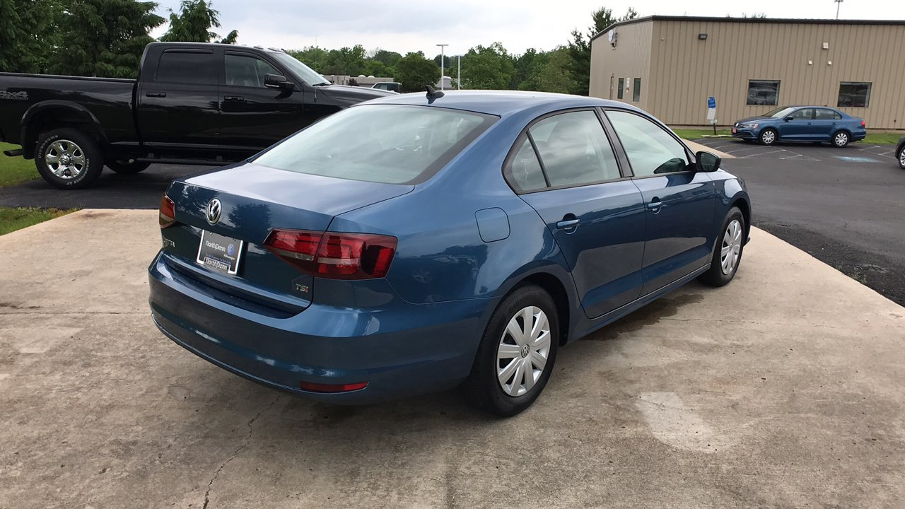 Certified Pre-Owned 2016 Volkswagen Jetta 1.4T S w/Technology