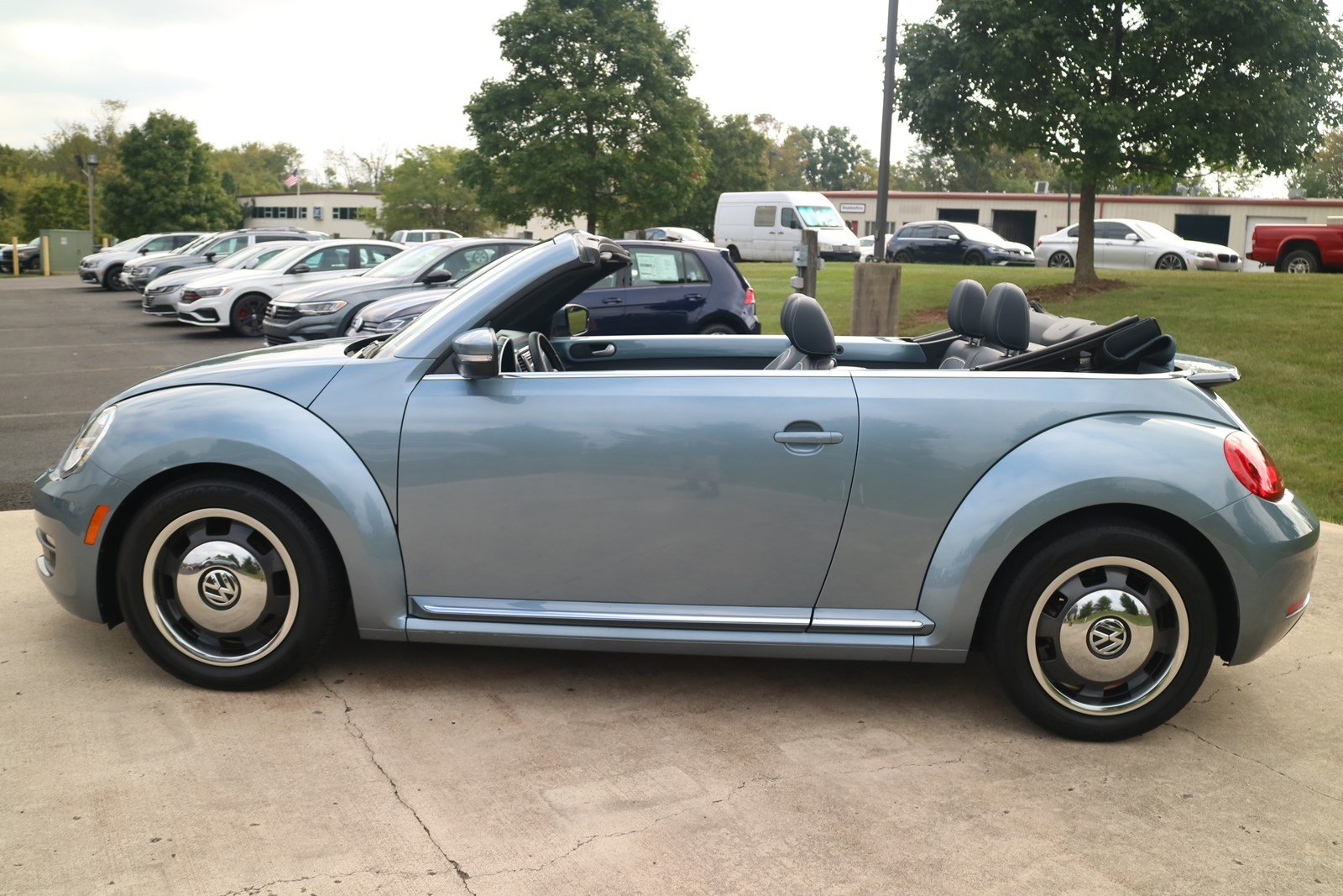 Certified Pre-Owned 2016 Volkswagen Beetle Convertible 1.8T Denim