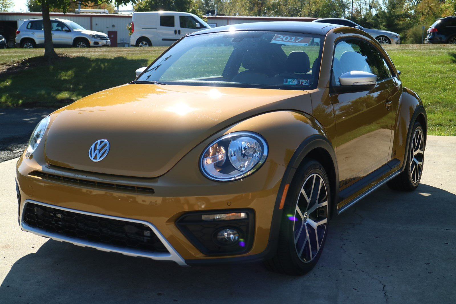 Certified Pre-Owned 2017 Volkswagen Beetle 1.8T Dune